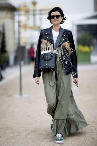 İşte 2018 İlkbahar-Yaz koleksiyonlarının tanıtıldığı Paris Moda Haftası'nda  objektiflere yansıyan sokak stilleri.