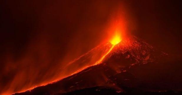 Tarihte En Büyük 10 Volkanik Patlama