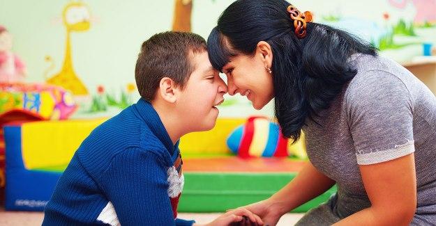 Otizm Nedir? Otizm Belirtileri, Nedenleri  ve Tedavisi
