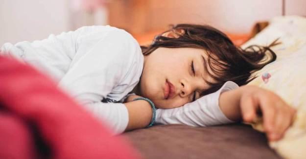 Çocukların Uyumasına Yardımcı Olmanın Doğal Yolları