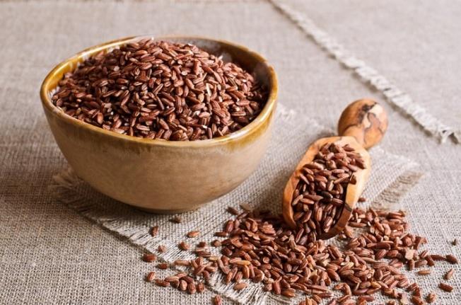 Kahverengi Pirinç Nedir? Kahverengi Pirincin Etkileyici Sağlık Faydaları