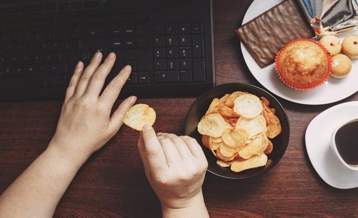Sağlığınızı Yok Eden 11 Sağlıksız Alışkanlıklar