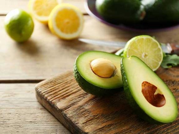 Sağlıklı Bir Gebelik İçin Temel Besinler: Folik Asit, Vitaminler ve Daha Fazlası