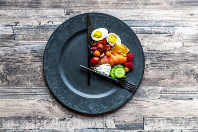 OMAD Diyeti Nedir? Günde Bir Öğün Yemek Sağlıklı mı?