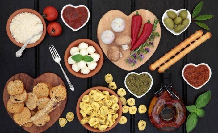 7 Günlük Akdeniz Diyeti Yemek Planı: Yiyecekler, Tarifler, Daha Fazlası