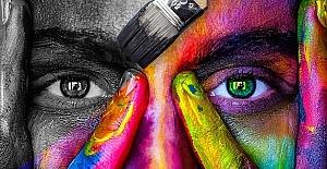 Renklerin Psikolojisi: En Sevdiğiniz Renk Sizin Hakkınızda Ne Diyor?