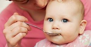 Bebeklere ne zaman katı gıdalar verilebilir? Ne Zaman Başlatılmalı