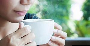 Çok Sıcak Çay İçmek, Yemek Borusu Kanseri Riskini Artırır