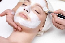 Pürüzsüz, Esnek Cilt için 4 Süt Tozu Yüz Maskesi
