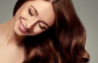 Evde Doğal Yöntemler İle Saç Düzleştirme Nasıl...