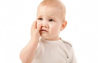 Bebeklerde Konjonktivit (Pembe Göz) İçin 14 Ev...