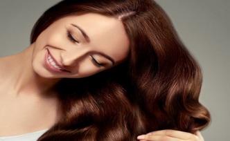 Evde Doğal Yöntemler İle Saç Düzleştirme Nasıl Yapılır