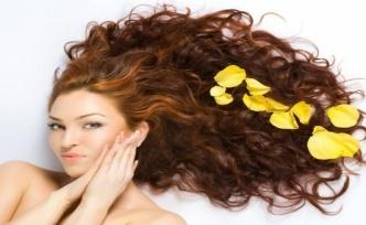 Saç için Ginseng Çayı: Daha Uzun, Daha Güçlü ve Daha Parlak Saçlar İçin Ev Yapımı Çözümler